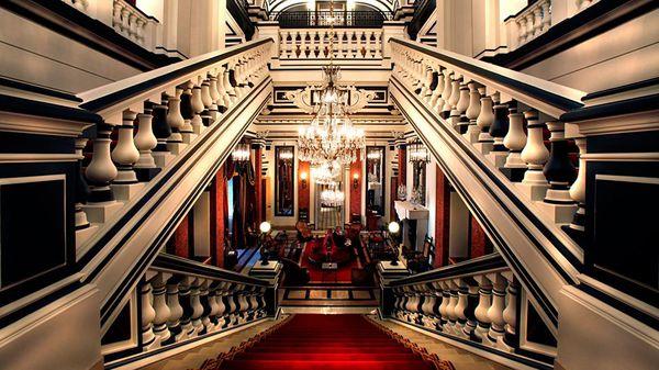 004074-01-staircase-lobby.jpg